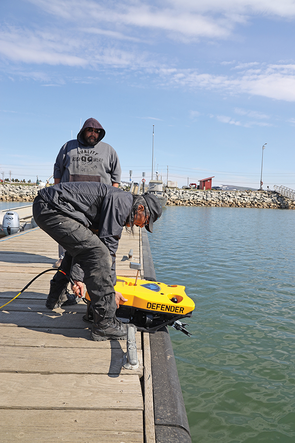 SAR volunteers learn to operate underwater ROV | The Nome Nugget